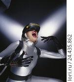 Купить «Virtual reality, woman, suit, silver, head-mounted display, gesture, cyberspace, virtual reality, data glasses, eyephone, monitor glasses, vision, enthusiasm, Emptionen, Future, exclamation, cheering», фото № 24435862, снято 6 декабря 2001 г. (c) mauritius images / Фотобанк Лори