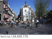 Купить «The Netherlands, Amsterdam, Old Town, street cafes, cyclists, Holland, Old Town fourth, canal fourth, cafes, street, road user, cyclist, town traffic, environmentally friendly, summer, Oranier route», фото № 24439170, снято 27 февраля 2003 г. (c) mauritius images / Фотобанк Лори