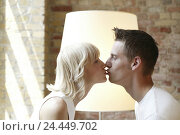 Купить «Loft, couple, young, kiss, tread, at home, 20-30 years, partnership, respect, love, affection, tenderness, luck, harmony, feeling, happy, falls in love...», фото № 24449702, снято 21 декабря 2005 г. (c) mauritius images / Фотобанк Лори
