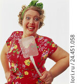 Купить «Woman, middle old person, plump, dress, brightly, flyswatter, facial play, joy, enthusiasm, half portrait, Heavy Weights, inside, studio, cut out, housewife...», фото № 24451058, снято 26 сентября 2000 г. (c) mauritius images / Фотобанк Лори