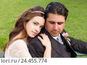 Купить «Bride leant to bridegroom», фото № 24455774, снято 28 мая 2018 г. (c) mauritius images / Фотобанк Лори