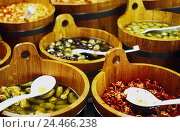 Купить «wooden tubs, Greek hors-d'oeuvres, differently, Still life, foods, fruits, vegetables, marinaded, olives, chillis, specialities, spoons, soup ladles», фото № 24466238, снято 28 мая 2002 г. (c) mauritius images / Фотобанк Лори