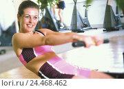 Купить «Fitness centre, woman, oar device, training, detail, 20-30 years, 25 years, sports kit, practise, weight training, fitness practise, sportswoman, sportily...», фото № 24468462, снято 8 ноября 2004 г. (c) mauritius images / Фотобанк Лори