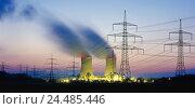 Купить «Germany, Bavaria, Lower Franconia, field Grafenrhein, nuclear power plant, cooling towers, power supply lines, evening energy, power production, current...», фото № 24485446, снято 19 мая 2005 г. (c) mauritius images / Фотобанк Лори