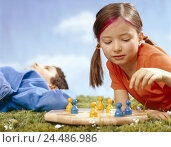 "Купить «Meadow, children, board game, ""person more badly, you not"", studio, children, friends, friendship, girl, boy, 6 years, leisure time, childhood, activity...», фото № 24486986, снято 8 декабря 2005 г. (c) mauritius images / Фотобанк Лори"