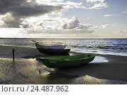 Купить «Beach, sea, ebb, boats, heavens,  Clouds, back light,  Series, cloud heavens, cloudy, clouds thunderclouds horizon boundlessly nature, landscape, loneliness...», фото № 24487962, снято 12 декабря 2018 г. (c) mauritius images / Фотобанк Лори