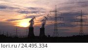 Купить «Germany, Bavaria, Lower Franconia, field Grafenrhein, nuclear power plant, cooling towers, power supply lines, evening energy, power production, current...», фото № 24495334, снято 19 мая 2005 г. (c) mauritius images / Фотобанк Лори