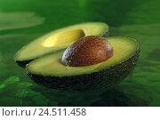 Купить «Avocado, halves, core, Avocato, avocado pear, lawyer's pear, alligator pear, fruit, fruit, avocado core, half, avocados, Persea americana, vegetables,...», фото № 24511458, снято 31 июля 2001 г. (c) mauritius images / Фотобанк Лори