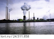 Купить «Germany, North Rhine-Westphalia, Duisburg, the Rhine, view, industrial plant, chimney, smoke, BT, Europe, dysentery area, dysentery pot, severe industry...», фото № 24511858, снято 2 ноября 2005 г. (c) mauritius images / Фотобанк Лори