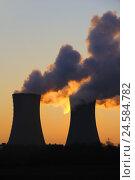Купить «Evening, cooling towers, nuclear power plant field Grafenrhein, Lower Franconia, Bavarians, Germany,», фото № 24584782, снято 23 марта 2009 г. (c) mauritius images / Фотобанк Лори