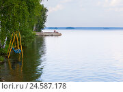 Купить «Летний день на берегу озера Увильды», фото № 24587178, снято 2 августа 2016 г. (c) Александр Цуркан / Фотобанк Лори