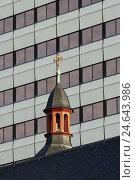 Купить «Facade, window, church, roof, turret, cross, Germany, North Rhine-Westphalia, Cologne,», фото № 24643986, снято 16 ноября 2007 г. (c) mauritius images / Фотобанк Лори