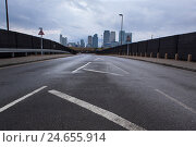 Купить «Great Britain, London, North Greenwich, view of dock country,», фото № 24655914, снято 19 августа 2018 г. (c) mauritius images / Фотобанк Лори