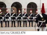 Купить «UK, London, Horse Guards, Queen's Life Guards,», фото № 24663474, снято 15 августа 2018 г. (c) mauritius images / Фотобанк Лори