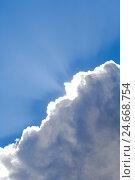 Купить «Cloudy sky, cumulus clouds, sunrays,», фото № 24668754, снято 1 февраля 2008 г. (c) mauritius images / Фотобанк Лори