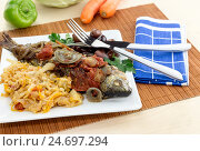 Купить «Рыба сальпа тушенная с овощами», фото № 24697294, снято 14 декабря 2016 г. (c) Татьяна Ляпи / Фотобанк Лори