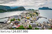 Купить «Aksla at the city of Alesund , Norway», видеоролик № 24697986, снято 17 ноября 2016 г. (c) Андрей Армягов / Фотобанк Лори