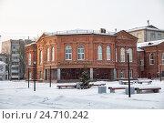 Купить «Череповец, дворец бракосочетания», эксклюзивное фото № 24710242, снято 5 января 2016 г. (c) Юлия Бабкина / Фотобанк Лори