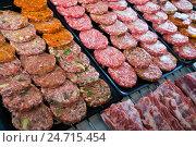 counter with assort of hamburguesa. Стоковое фото, фотограф Яков Филимонов / Фотобанк Лори