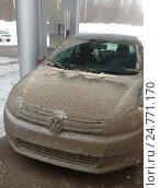 Купить «Грязная машина зимой», фото № 24771170, снято 20 марта 2013 г. (c) Ирина Климкович / Фотобанк Лори