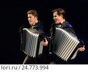 Купить «Братья-аккордеонисты Кирилл и Константин Бондаренко», фото № 24773994, снято 28 июня 2014 г. (c) Free Wind / Фотобанк Лори