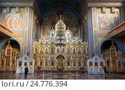 Купить «Кисловодск. Внутри Свято-Никольского собора», фото № 24776394, снято 23 апреля 2019 г. (c) Олег Белов / Фотобанк Лори