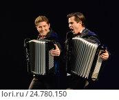 Купить «Братья-аккордеонисты Кирилл и Константин Бондаренко», фото № 24780150, снято 28 июня 2014 г. (c) Free Wind / Фотобанк Лори
