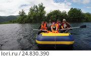 Сплава по реке Быстрой на полуострове Камчатка, видеоролик № 24830390, снято 13 июля 2016 г. (c) А. А. Пирагис / Фотобанк Лори