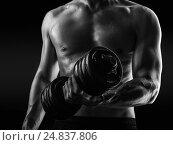 Купить «Bodybuilder with beads of sweat training in gym», фото № 24837806, снято 5 сентября 2015 г. (c) katalinks / Фотобанк Лори