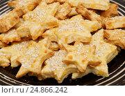 Купить «Домашнее сырное печенье в форме звёздочек», эксклюзивное фото № 24866242, снято 30 декабря 2014 г. (c) Dmitry29 / Фотобанк Лори