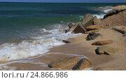 Купить «Набегающие волны тропического моря», видеоролик № 24866986, снято 26 сентября 2015 г. (c) Евгений Ткачёв / Фотобанк Лори