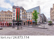 Купить «BRUSSELS, BELGIUM - JULY 07, 2016 : City views cozy European cities - Brussels, Belgium and the European Union's capital. Streets, cafes, restaurants and the people on them.», фото № 24873114, снято 7 июля 2016 г. (c) Vitas / Фотобанк Лори