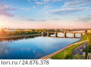 Купить «View of the river Volga in Tver and Novovolzhsky bridge from a height», фото № 24876378, снято 3 мая 2016 г. (c) Baturina Yuliya / Фотобанк Лори