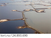 Озеро Самотлор летом, вид сверху, фото № 24893690, снято 15 мая 2015 г. (c) Владимир Мельников / Фотобанк Лори