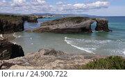 Купить «Cantabric coast summer landscape», видеоролик № 24900722, снято 11 января 2017 г. (c) Юрий Брыкайло / Фотобанк Лори