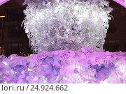Купить «Музыкальный лес на Пушкинской площади. Москва», фото № 24924662, снято 23 декабря 2016 г. (c) Алексей Сварцов / Фотобанк Лори