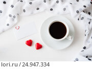 Купить «St Valentines day background - cup of coffee, blank love card and two heart shaped candies», фото № 24947334, снято 24 января 2017 г. (c) Зезелина Марина / Фотобанк Лори