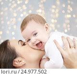 Купить «happy mother kissing adorable baby», фото № 24977502, снято 22 декабря 2007 г. (c) Syda Productions / Фотобанк Лори