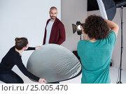 Model posing for a photoshoot. Стоковое фото, агентство Wavebreak Media / Фотобанк Лори