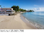 The Beach, Speightstown, St. Peter, Barbados, West Indies, Caribbean, Central America. Стоковое фото, фотограф Frank Fell / age Fotostock / Фотобанк Лори