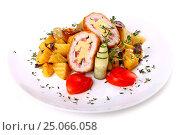Купить «Chicken Kiev with a sliced potatoes», фото № 25066058, снято 14 января 2017 г. (c) Art Konovalov / Фотобанк Лори