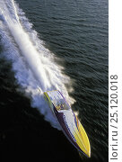 Купить «Outerlimits high speed powerboat with big wake.», фото № 25120018, снято 20 сентября 2018 г. (c) Nature Picture Library / Фотобанк Лори