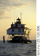 Купить «Thomas Point Lighthouse, off Annapolis, Maryland, USA.^^^Built in 1875, it is the only screwpile light on the bay in its original location.», фото № 25120906, снято 17 июля 2018 г. (c) Nature Picture Library / Фотобанк Лори