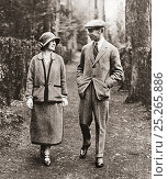 Купить «The Duke and Duchess of York strolling through the grounds of Polesdon Lacey, Surrey, England, on thier honeymoon in 1923. Prince Albert, future King George...», фото № 25265886, снято 16 декабря 2017 г. (c) age Fotostock / Фотобанк Лори
