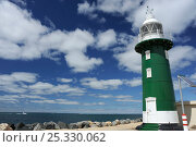 Купить «Lighthouse at entrance to Port of Freemantle, estern Australia.», фото № 25330062, снято 26 мая 2018 г. (c) Nature Picture Library / Фотобанк Лори