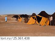 Tented camp at Merzouga dunes, Tafilalt, Sahara, Morocco. March 2007. Стоковое фото, фотограф Angelo Gandolfi / Nature Picture Library / Фотобанк Лори