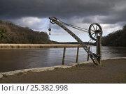 Купить «Old crane (1863) on Cotehele Historic Quay, River Tamar, Cornwall, UK. April 2009.», фото № 25382998, снято 25 апреля 2018 г. (c) Nature Picture Library / Фотобанк Лори