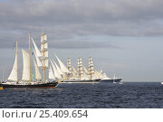 """Купить «Barquentine """"Kaliakra"""", four-masted barque """"Sedov"""" and cruiseliner """"Saga Ruby"""" on the start-line of the Funchal 500 Tall Ships Regatta race, Saturday 13th September 2008. Falmouth, Cornwall, UK», фото № 25409654, снято 21 февраля 2020 г. (c) Nature Picture Library / Фотобанк Лори"""