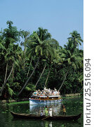 Купить «Allepy backwaters with tourists on sightseeing boat Kerala, Southern India», фото № 25516094, снято 18 сентября 2018 г. (c) Nature Picture Library / Фотобанк Лори