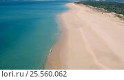 Купить «Aerial View Small Waves on Sandy Beach», видеоролик № 25560062, снято 13 февраля 2017 г. (c) Discovod / Фотобанк Лори